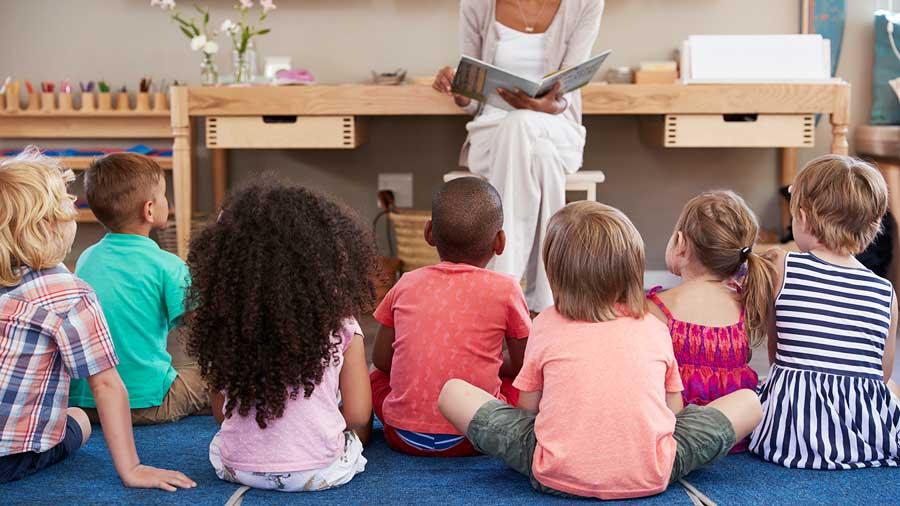 volunteering to read with children